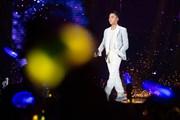 Sơn Tùng M-TP nịnh fan như người yêu ở Sky Tour 2019