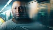 Người đàn ông lập dị nghiện trộm tàu, xe buýt
