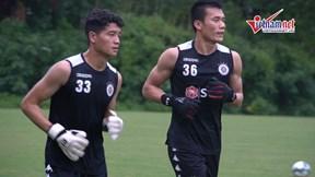 Đức Huy, Duy Mạnh cùng Hà Nội FC 'luyện quân' trong mưa chờ đấu Bình Dương