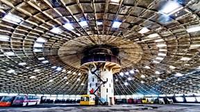 Bãi đỗ xe buýt - Chiếc 'đĩa bay' khổng lồ bị bỏ hoang của Ukraine