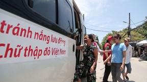 Xe buýt tránh nóng lưu động ở Hà Nội