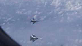 Su-27 đuổi chiến cơ NATO bám đuôi máy bay Bộ trưởng Quốc phòng Nga