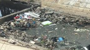 Đà Nẵng: Dân khốn khổ ăn cơm cùng mùi nước thải hôi thối đem ngòm