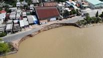 Flycam: Cảnh 'rùng mình' khi Quốc lộ 91 ở An Giang bị 'nuốt chửng'