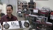 Chiêm ngưỡng bộ sưu tập gần 1000 chiếc radio cassette cổ tại Hà Nội