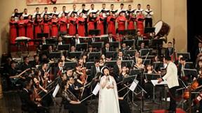 Điều còn mãi 2019: Phạm Hồng Nhung hát 'Hà Nội Huế Sài Gòn'