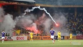 VFF 'treo' sân Hàng Đẫy, cấm CĐV Nam Định đi sân khách hết mùa