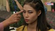 Nam Trung tận tình chỉ lỗi make up, chỉnh áo thí sinh Next Top