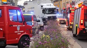 Khủng bố cướp xe tải, đâm 'điên loạn' trên đường phố Đức
