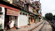 Cảnh vắng hoe ở cà phê đường tàu Phùng Hưng ngày chính thức đóng cửa
