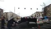 Nhóm cướp nổ súng, chặn xe Mercedes cướp 22 tỷ giữa thành phố Moscow