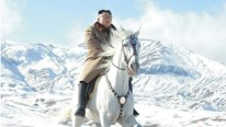 Từ ảnh ông Kim cưỡi ngựa, báo giới phân tích Triều Tiên sắp có 'biến' lớn