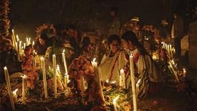 Người Mexico tưng bừng với lễ hội tử thần, đón người chết về lại dương gian