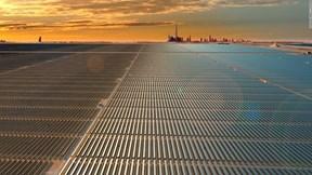 Nhà máy điện mặt trời lớn nhất thế giới giữa lòng sa mạc Dubai