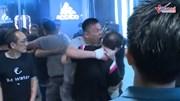 Một chính trị gia bị cắn đứt tai giữa cuộc biểu tình ở Hong Kong