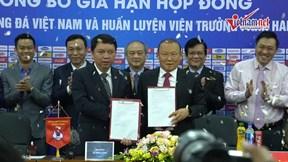 HLV Park nói về 2 năm gắn bó với bóng đá VN trong lễ kí hợp đồng mới