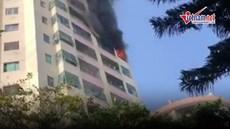 Cháy lớn tại làng quốc tế Thăng Long, hàng chục lính cứu hỏa được huy động