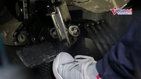 Thiết bị chống đạp nhầm chân ga ô tô hoạt động thế nào để tránh tai nạn?