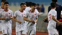 Trước trận gặp UAE: Công Phượng đọ tài bứt tốc dưới mưa cùng đồng đội