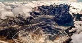 Công trường khai thác vàng lớn nhất thế giới trên dãy núi cao 5000m