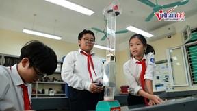 Nhóm học sinh HN giành HCV Quốc tế với hệ thống hãm thang máy rơi tự do