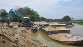 Lý giải nguyên nhân sạt lở đất nghiêm trọng trên sông Thu Bồn
