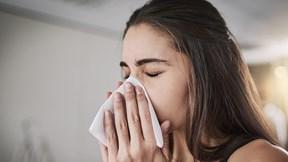Nhịn hắt hơi có thể gây ra những hậu quả nghiêm trọng nào?