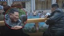 Ông Kim cười rạng ngỡ, ngắm người dân tắm hơi ở resort đẹp nhất Triều Tiên