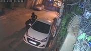 Gần tết: Trộm vặt nguyên đôi gương 'xe cỏ' đỗ dưới đường