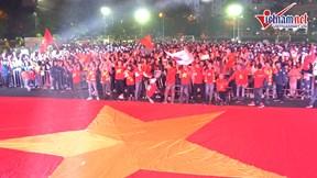 CĐV hô vang Việt Nam vô địch, đợi tấm HCV SEA Games đầu tiên