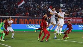 U22 Việt Nam - U22 Indonesia: Hùng Dũng kiến tạo, Văn Hậu đánh đầu mở tỉ số