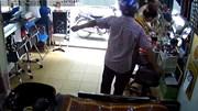Màn trộm smartphone bất thành tại tiệm làm tóc