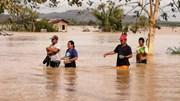 Siêu bão 'nhấn chìm' Giáng sinh ở Philippines, hàng nghìn người mắc kẹt