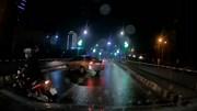 Thấy CSGT, ô tô và xe máy quay đầu bỏ chạy ngay giữa cầu