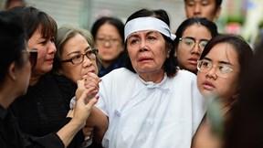 Con trai chưa về, vợ đi không vững ngày động quan NSƯT Chánh Tín