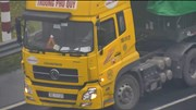 Xe tải bất chấp nguy hiểm đi lùi trên cao tốc Hà Nội - Hải Phòng