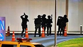 Đặc nhiệm Thái bắn hạ tay súng cuồng sát 25 người