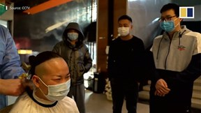 Những kiểu tóc 'kỳ lạ' của y tá Trung Quốc ngày đại dịch