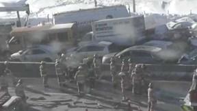Trăm xe đâm liên hoàn trên cao tốc Canada, hàng chục người bị thương