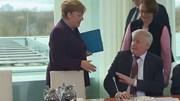 Dịch Covid-19: TT Hàn Quốc xin lỗi dân, Thủ tướng Đức bị từ chối bắt tay