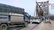 Độc nhất cây cầu đường bộ, đường sắt đi chung