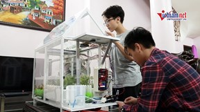Mô hình trồng cây bằng năng lượng mặt trời độc đáo của 2 học sinh trung học