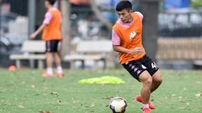 Gặp hậu vệ trẻ đá thay vị trí Văn Hậu ở Hà Nội FC