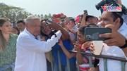 Tổng thống Mexico bị chỉ trích vì gặp hàng nghìn người giữa đại dịch