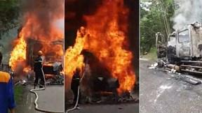 Đầu xe container bất ngờ phát nổ,bốc cháy dữ dội