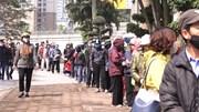 Hàng người san sát trước 'siêu thị 0 đồng' giữa cao điểm Covid-19