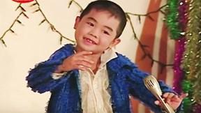 'Thần đồng âm nhạc' bé Châu: Bi kịch gia đình vỡ nợ, ăn bánh mì qua ngày