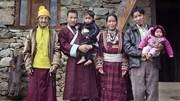 Bí quyết hạnh phúc trong hôn nhân đa phu một vợ nhiều chồng ở Ấn Độ