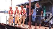 8 tàu cát tặc bị Thuỷ đoàn 1 CSGT  tóm gọn trên sông Hồng