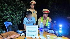Tài xế dính ma túy: Uống 11 chai nước câu giờ, chống đối CSGT